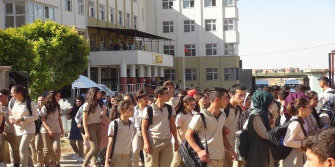 Çınar'da adrese dayalı yerleştirme ile 600 kişilik okula bin kişi yerleşti