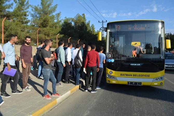 Üniversite öğrencilerinin ulaşım sorunu devam ediyor
