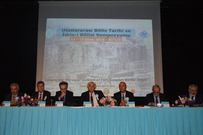 """""""Uluslararası Bitlis Tarihi ve İdris-i Bitlisi Sempozyumu"""" başladı"""