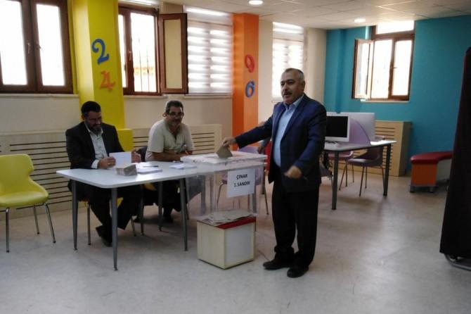 Çınar'da Eğitim-Bir-Sen başkanı kura ile belirlendi