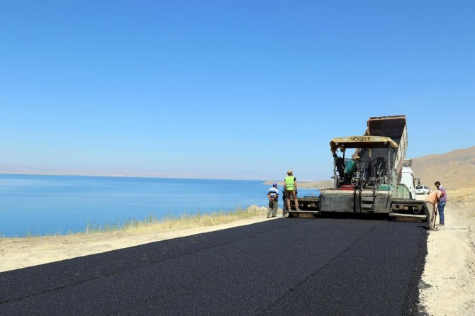 Van'da iki senede 440 milyon yol yatırımı yapıldı