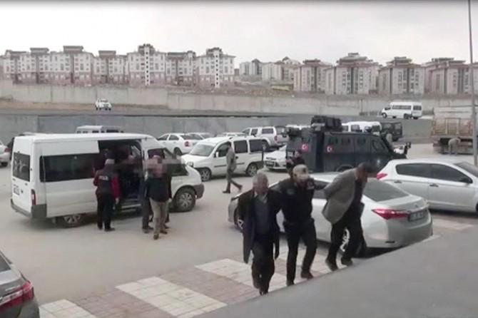 Van merkezli PKK operasyonunda 15 tutuklama