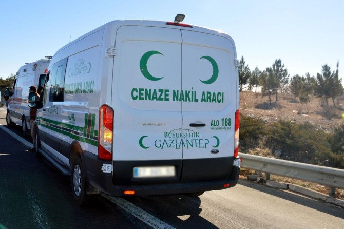 Gaziantep'te trafik kazası: 2 ölü 5 yaralı