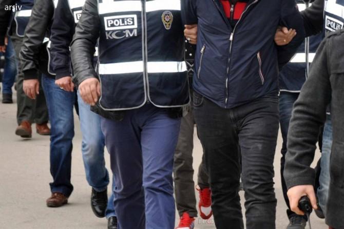 Van'da hırsızlık suçundan aranan 4 kişi tutuklandı