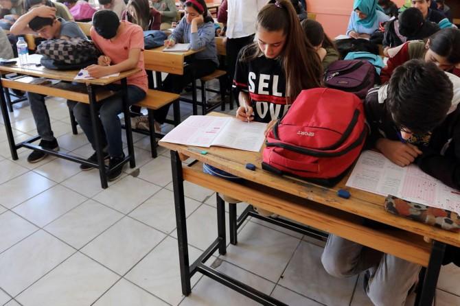 Van Büyükşehir'den dar gelirli öğrencilere yardım