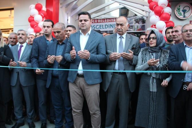 """İpekyolu Belediyesi """"Ercişli Emrah Sokağı""""nı hizmete açtı"""
