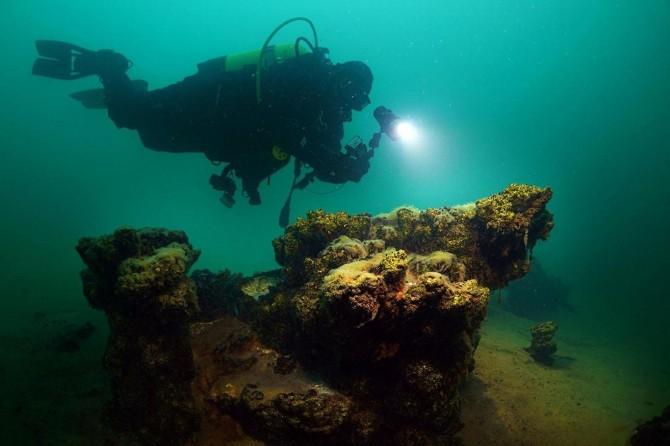 İpekyolu Belediyesi dalgıçları Van Gölüne indi