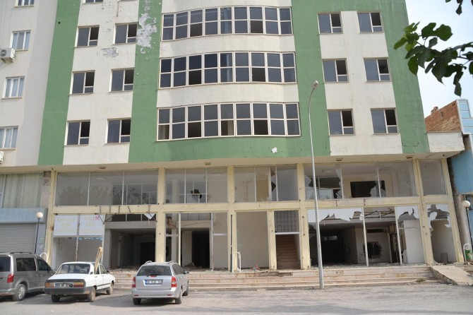 Boşaltılan özel hastane esrar ve tinercilerin mekanı oldu