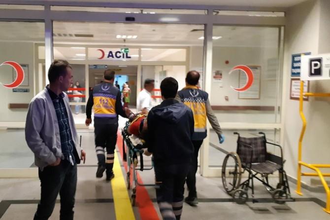 Mıcıra kapılan otomobil uçuruma yuvarlandı: 4 yaralı