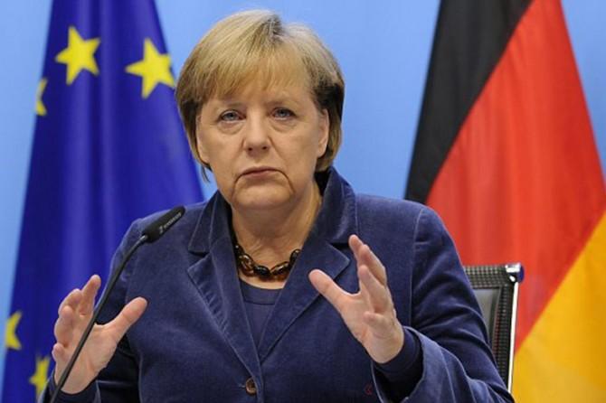 Merkel: Ew ê ji Erebistana Siûd re çek neyê firotin