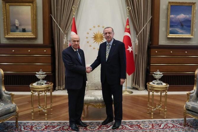 """Erdoğan ve Bahçeli'den """"Cumhur İttifakı'na devam"""" açıklamaları"""