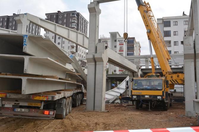 Batman'da inşaatta beton bloklar düştü: 2 yaralı