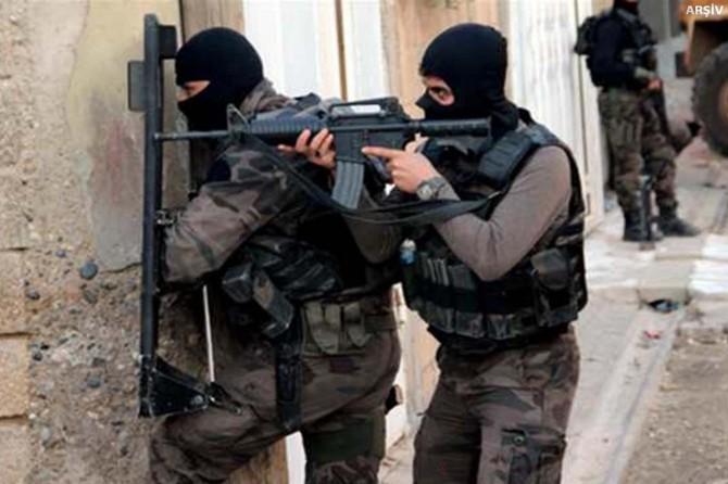 Batman Beşiri'de 1 polis yaralandı 1 PKK'li öldürüldü