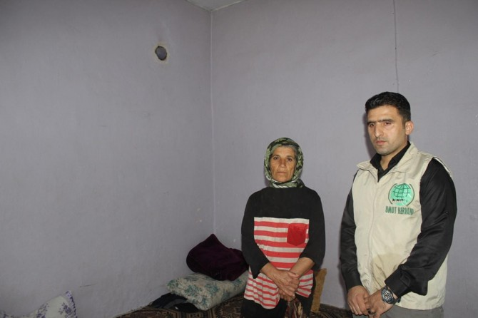 Dört yetimiyle bir odada yaşayan anne yardım bekliyor