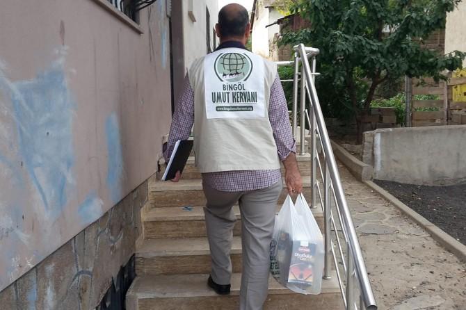 Bingöl Umut Kervanı yardımlarıyla umut olmaya devam ediyor