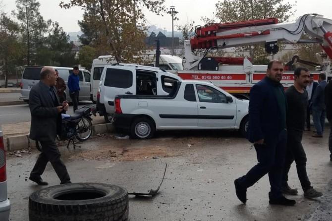 Gaziantep'te freni boşalan vinç 10 araca çarparak durabildi