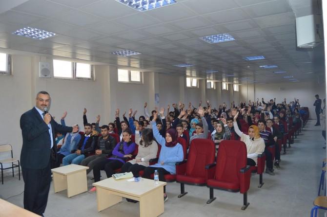 Sason'da başarıda Arkadaş Seçimi konulu konferans