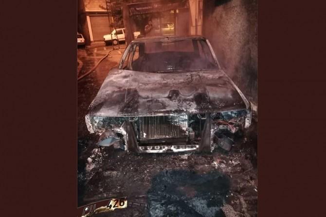 Şanlıurfa'da park halindeki otomobil kundaklandı