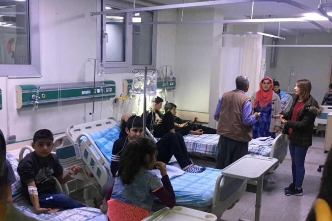Mardin'de 136 öğrenci yemekten zehirlendi