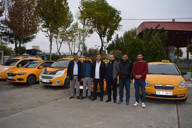 Batmanlı taksiciler: Belediyenin söz verdiği duraklar bir an önce yapılmalı