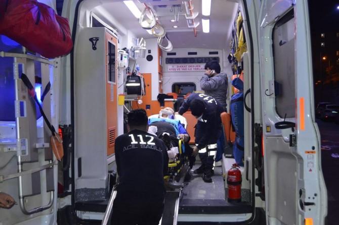 Siirt Baykan'da otomobil TIR'a arkadan çarptı: 1 ölü 3 yaralı