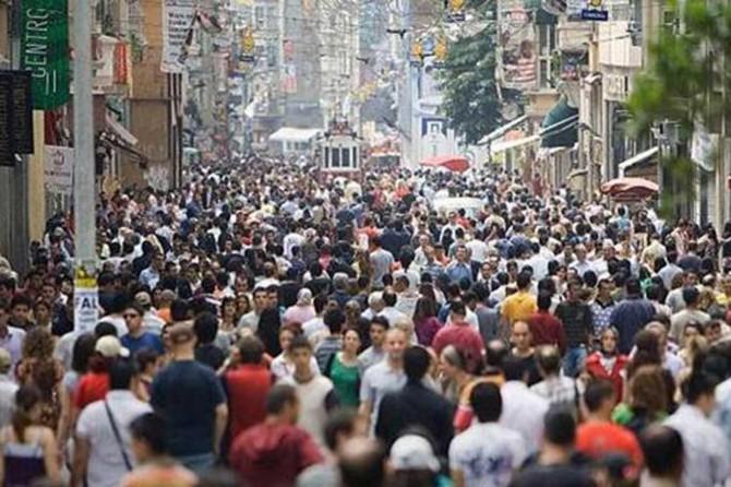 734 bin yabancı uyruklunun resmi ikamet izni var