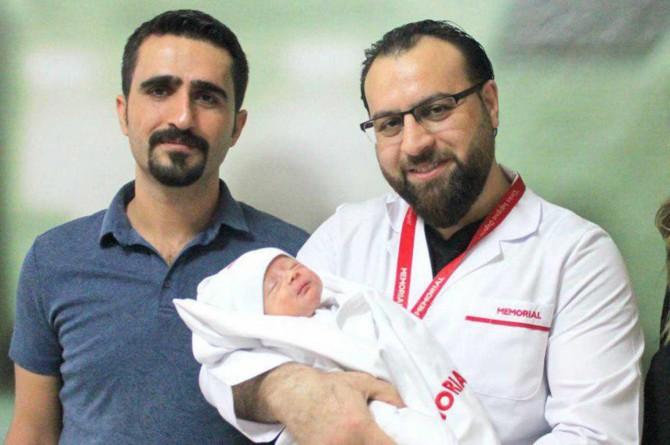 Diyafram Hernisi bebek ameliyatla yeniden yaşama tutundu