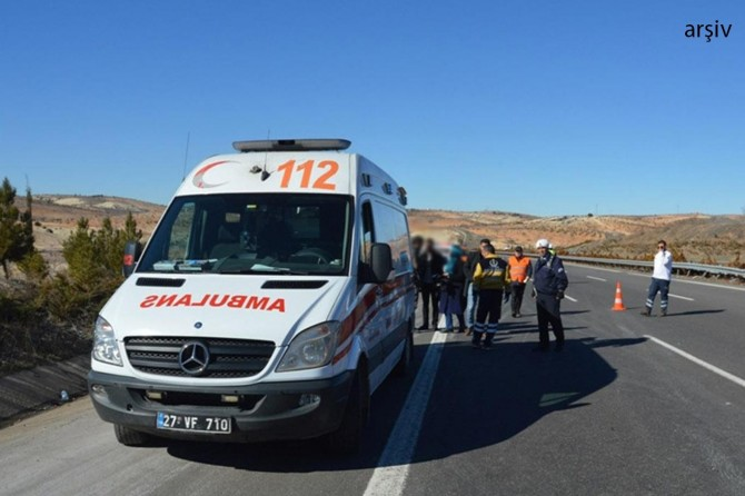 Nizip-Gaziantep karayolu Sekili yakınlarında kaza: 3 yaralı