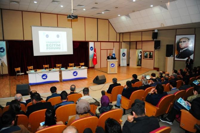 Van Yüzüncü Yıl Üniversitesinde Lisansüstü Eğitim Forumu başladı