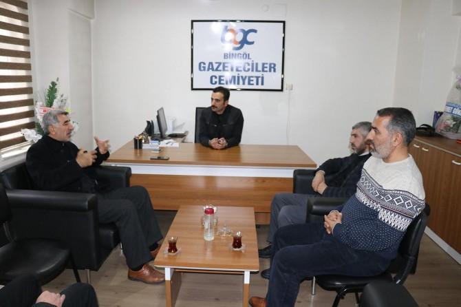 Mahkum ailelerinden Bingöl Gazeteciler Cemiyetine ziyaret