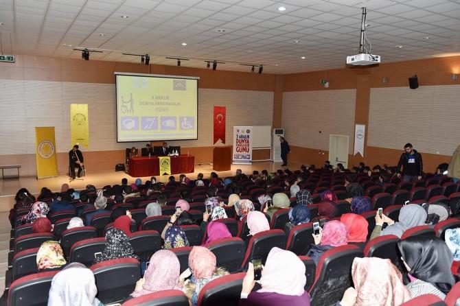 Diyarbakır'da engelleri aşanlar paneli düzenlendi
