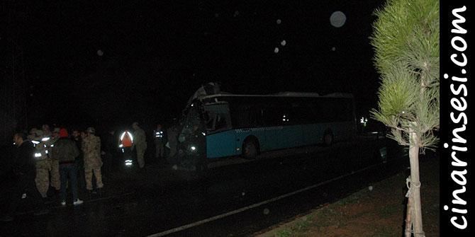 Çınar'da belediye otobüsü ile kamyon çarpıştı: 1 ölü 45 yaralı