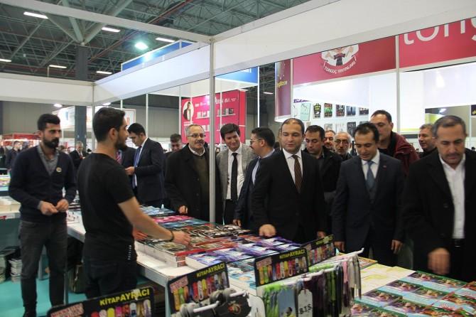 Doğu Anadolu'nun en büyük Van Kitap Fuarı açıldı