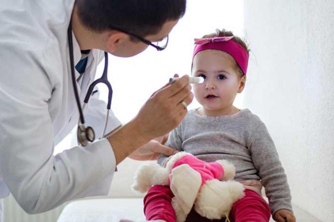 Yeni doğan bebeklerde göz sorununa dikkat