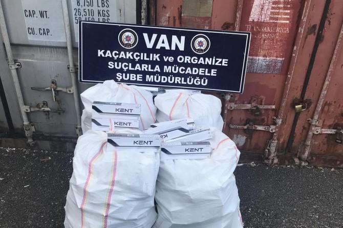 Van İpekyolu ve Tuşba'da 3 bin paket gümrük kaçağı sigara ele geçirildi