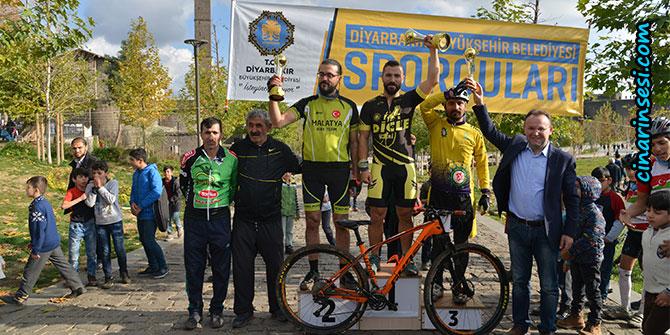 Diyarbakır'da 1. Büyükşehir Belediyesi Bisiklet Yarışması düzenlendi