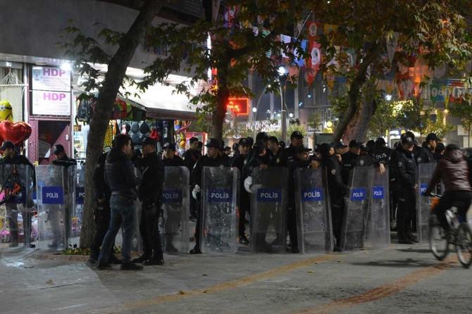 HDP Diyarbakır ve Batman il başkanlıklarına operasyon: 52 gözaltı