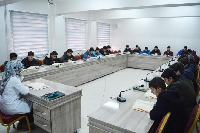 Açılan özel Kur'an-ı Kerim Sınıfı öğrencilerin başarısını katlıyor