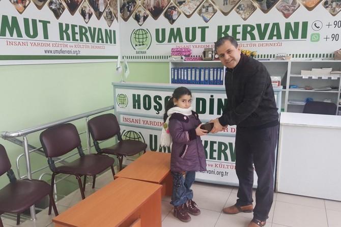 Minik çocuklar harçlıklarını Yemen için bağışladılar
