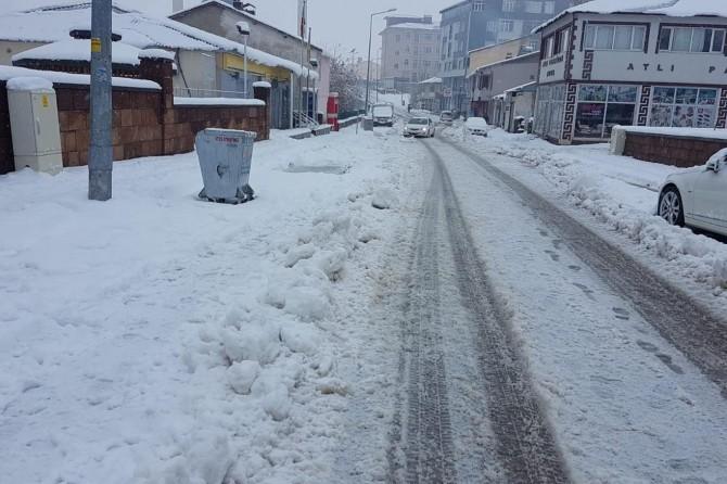 Bingöl'de yağmur ve kar etkili oluyor