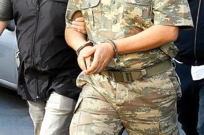 Muvazzaf 22 asker FETÖ'den tutuklandı