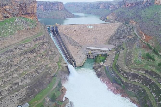 Batman Valiliğinden nehir kenarında bulunanlara uyarı