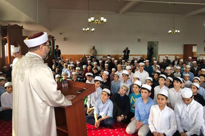Kur'an-ı Kerim'i öğrenmenin amacı, onu anlamak ve yaşamaktır