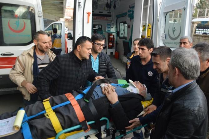 Siirt'in Eruh ve Kurtalan ilçelerinde kaza 3'ü ağır 9 kişi yaralandı