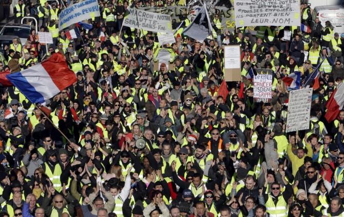 Li Fransayê 242 kes hatin binçavkirin