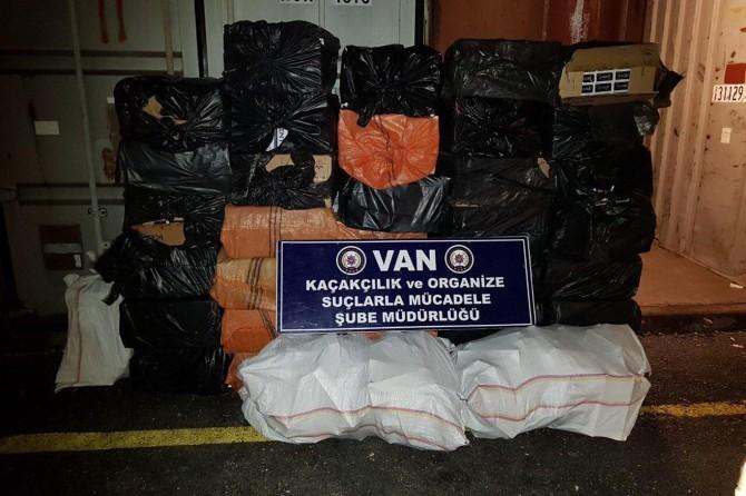 Van'da 20 bin paket gümrük kaçağı sigara ele geçirildi