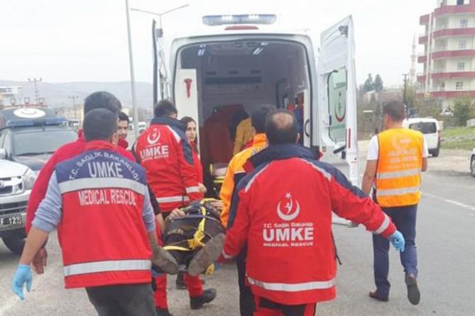 Siirt'in Kurtalan ilçesi Zenga mevkiinde trafik kazası: 2'si ağır 5 yaralı