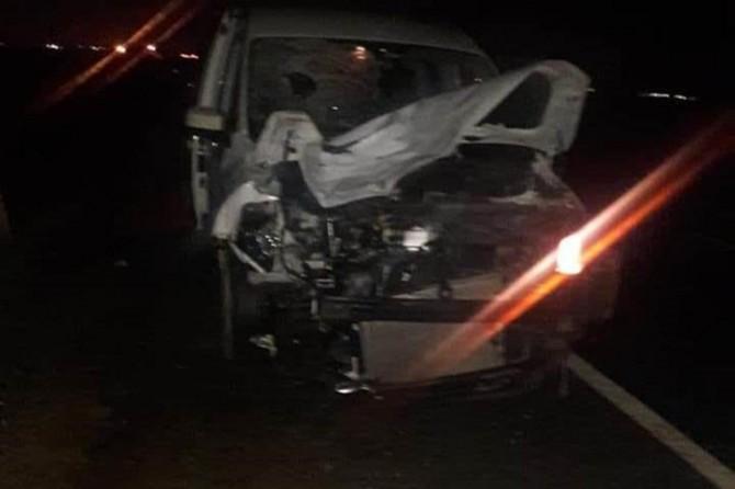 Hafif ticari araç motosikletle çarpıştı: 2 ölü