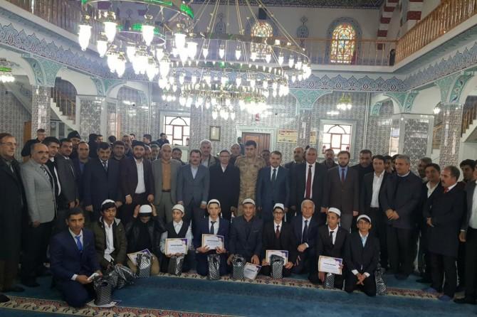 Bingöl'de Kur'an-ı Kerim'i ve ezanı güzel okuma ile hafızlık yarışması