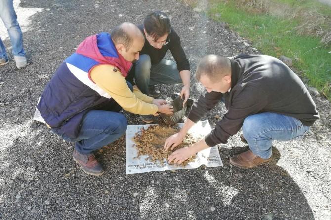 Çiftçilerin toprak analizi ücretsiz yapılacak